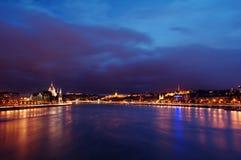 布达佩斯多瑙河日落 免版税库存图片