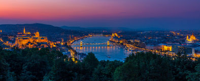 布达佩斯夜全景 库存照片