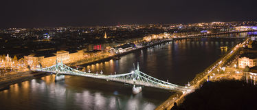 布达佩斯夜的光  免版税图库摄影