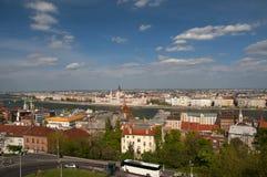 布达佩斯市在白天,匈牙利全景  免版税库存图片