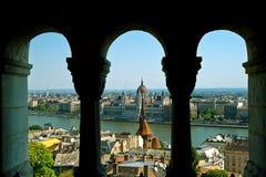 布达佩斯市多瑙河全景 免版税库存照片