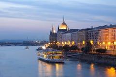 布达佩斯晚上视图 库存照片