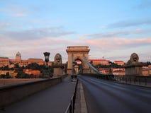 布达佩斯桥梁在早晨 免版税库存图片