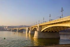 布达佩斯玛格丽特桥梁 免版税库存图片