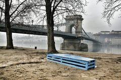 从布达佩斯的铁锁式桥梁 免版税库存照片