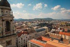 布达佩斯看法从圣徒斯蒂芬斯大教堂圆顶的顶端 库存照片