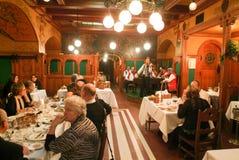 布达佩斯著名MatyaÌ€s潘斯餐馆匈牙利的 免版税库存图片