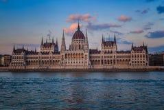 布达佩斯议会,其中一个最美丽的大厦在欧洲 免版税库存图片