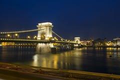 布达佩斯铁锁式桥梁 免版税库存照片