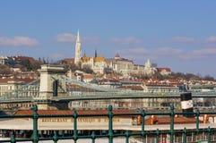 布达佩斯,匈牙利,2018年3月22日:布达佩斯,匈牙利最美丽的桥梁的塞切尼链桥梁一  免版税库存照片