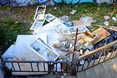 布达佩斯,匈牙利- 2017年12月21日:大堆垃圾 环境包装的污染 图库摄影