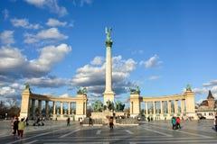 布达佩斯,匈牙利- 2018年3月12日:英雄正方形拥挤wi 库存照片