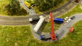 布达佩斯,匈牙利- 2018年6月01日:Miniversum博物馆博览会-小规模铁路卡车事故玩具表示法  库存照片