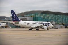 布达佩斯,匈牙利- 3月5 -全部巴西航空工业公司ERJ-170 库存照片