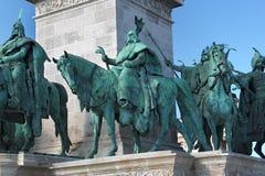 布达佩斯,匈牙利- 2012年8月08日:在英雄`正方形的千年纪念碑在布达佩斯,匈牙利 库存图片