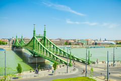 布达佩斯,匈牙利- 2016年6月15日:联络Buda和虫横跨Dunabe河的知名的自由桥梁在布达佩斯,匈牙利- J 库存图片