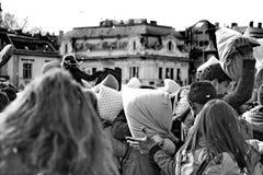 布达佩斯,匈牙利- 4月04 :在英雄正方形的枕头战天 图库摄影