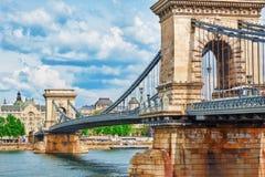 布达佩斯, HUNGARY-MAY 02日2016年:Szechenyi Th链子桥梁一  图库摄影
