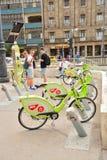 布达佩斯绿色自行车 库存图片