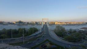 布达佩斯Elisabeth桥梁日落 股票视频