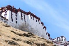 布达拉宫墙壁在拉萨,西藏 图库摄影