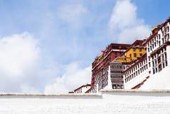 布达拉宫墙壁在拉萨,西藏 库存照片