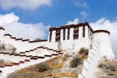 布达拉宫墙壁在拉萨,西藏 免版税库存照片