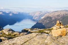 布道台或Prekestolen或者传教者` s讲坛或讲坛岩石,在Forsand, Ryfylke,挪威 库存照片