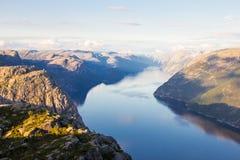 布道台或Prekestolen或者传教者` s讲坛或讲坛岩石,在Forsand, Ryfylke,挪威 图库摄影