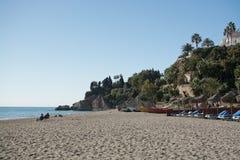 布里亚纳沙滩和蓝色海洋 库存照片