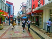 布里季敦,巴巴多斯- 2016年5月11日:在布里季敦,巴巴多斯街市的街道  图库摄影