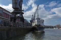 布里斯托尔,英国,2019年2月23日,MV在M的斜纹呢衬船流洒了博物馆在Wapping码头 库存图片