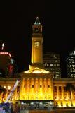 布里斯班市政厅晚上 免版税库存图片