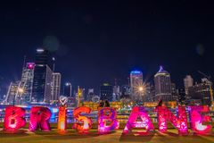 布里斯班文字在城市 免版税库存照片