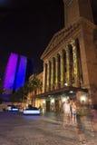 布里斯班,澳大利亚- 2014年10月25日, :在G20会议的布里斯班市上色城市,视觉轻的显示 免版税库存图片