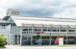布里曼德国- 2017年7月15日:奥迪在市汉堡卖汽车 免版税库存图片