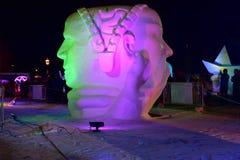 布雷肯里奇,科罗拉多,美国:2018年1月28日:2018队土耳其出席:在夜雪雕竞争的`记住` 免版税图库摄影