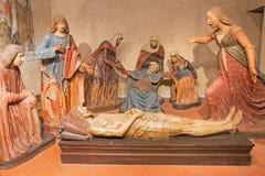 布雷西亚,意大利, 2016年:与圣母怜子图的雕刻的小组怨言在教会基耶萨二圣玛丽亚del Carmine吉多马佐尼 库存图片