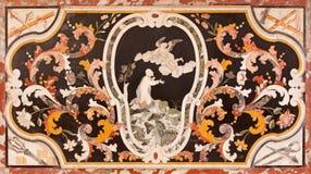 布雷西亚,意大利, 2016年:与耶稣的巴洛克式的马赛克在教会基耶萨di圣弗朗切斯科d&的x27 Gethsemane庭院里; 阿西西 免版税图库摄影