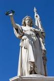 布雷西亚-胜利雕象作为再意大利战争奥地利纪念品在广场della凉廊正方形 库存图片