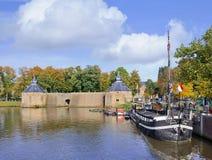 布雷达,荷兰古老港有运河的 库存图片