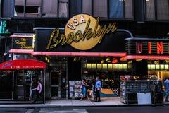 布鲁克林吃饭的客人曼哈顿nyc 库存照片