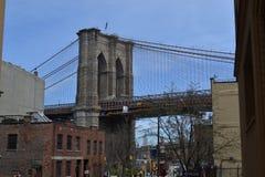布鲁克林和看法桥梁在曼哈顿 库存照片