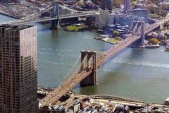 布鲁克林大桥和曼哈顿桥梁鸟瞰图  免版税库存照片