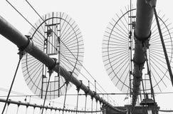 布鲁克林大桥,一部分的反对天空的constraction,黑白 免版税库存照片