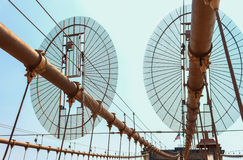 布鲁克林大桥,一部分的反对天空的constraction 免版税库存照片