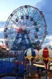 布鲁克林,纽约- 5月31 :在科尼岛游乐园的奇迹轮子 库存照片