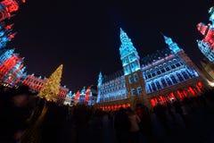 布鲁塞尔、比利时- 2016年12月05日-圣诞节声音和光在布鲁塞尔大广场显示 免版税库存照片