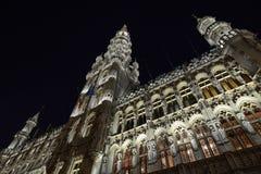 布鲁塞尔、比利时- 2016年12月05日-圣诞节声音和光在布鲁塞尔大广场显示 库存图片