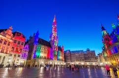 布鲁塞尔大广场的夜场面在布鲁塞尔,比利时 库存图片